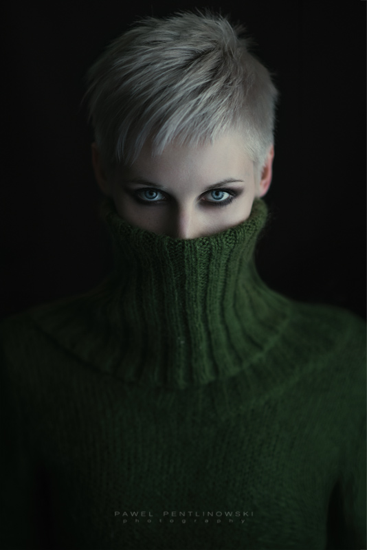 Turtle Neck - Sara